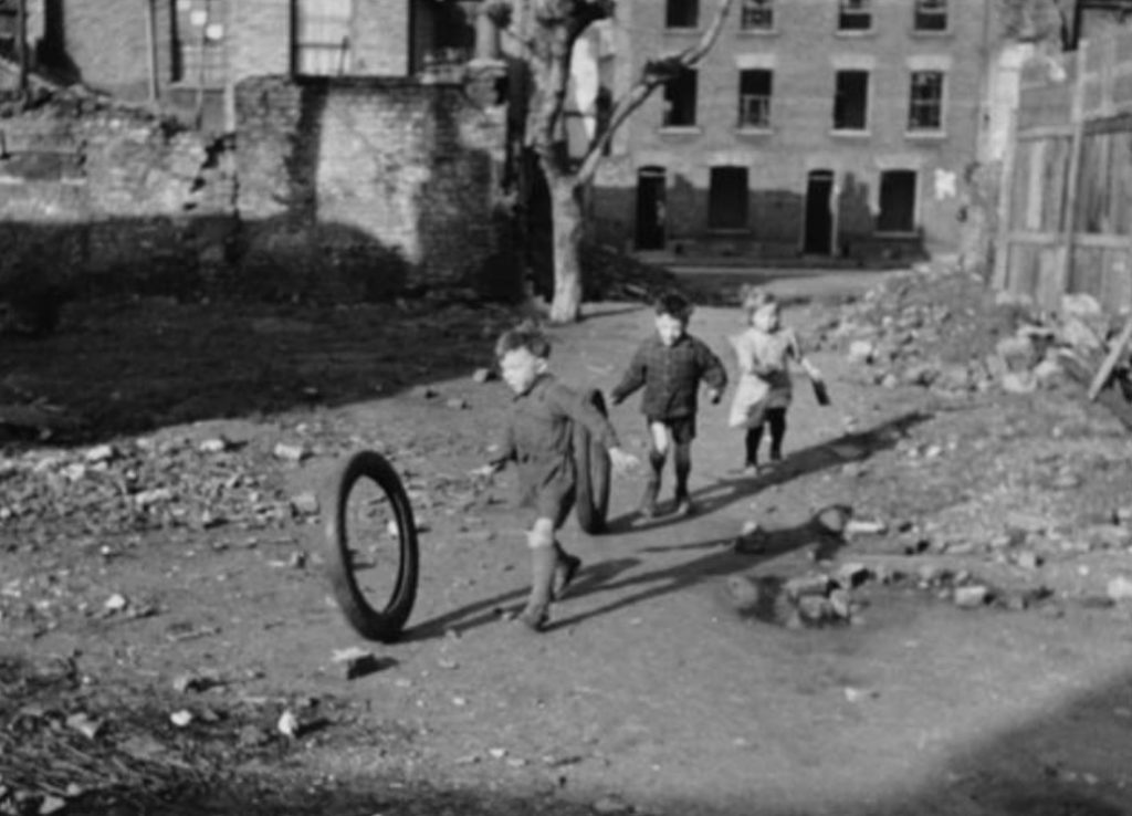 kids playing in bombed buildings England War years