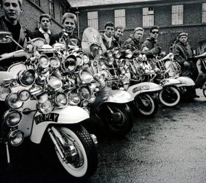 The Mods cult leaving for the coast